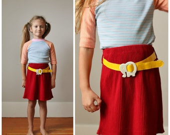 1970s Elephant Knit Skirt >>> Size 4t/5t