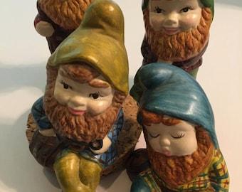 4 knome garden figures