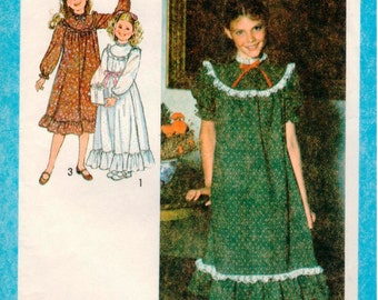 Vintage UNCUT Simplicity Pattern 8807 - Girls Ruffled Dress with Raglan Sleeves in Two Lengths - Size 10