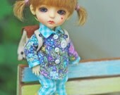 Patterns and English Instructions of Shirt and Pants for Lati Yellow and Middie Blythe