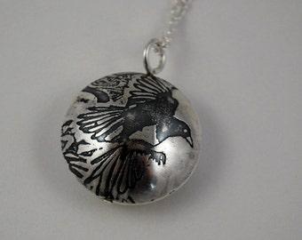 Medium Sterling Silver Magpie Capsule Pendant