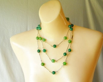 Vintage Necklace Chunky Beaded Necklace Green Necklace Spring Summer Fashion