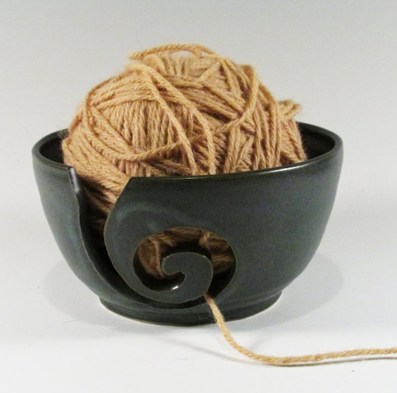 Large Yarn bowl - Yarn Holder - Spiral - Blue Green - Stoneware Yarn Bowl - Wheel Thrown Yarn Bowl - Hand Carved - Pottery Yarn Bowl