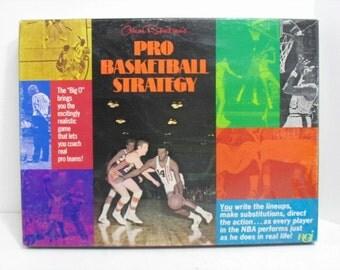 Vintage Oscar Robertsons Pro Basketball Strategy Board Game RGI Sports Boardgame