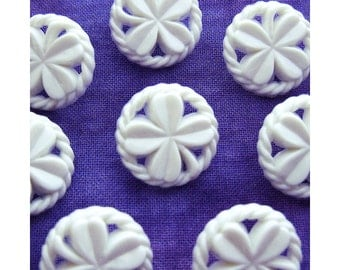 4-Leaf Clover Buttons 18mm - 5/8 inch Pierced Lucky Shamrock Clover Shank Buttons - 8 VTG NOS Carved White Clover Leaf Sewing Buttons PL549