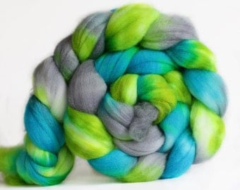 Meadow 4 oz Merino softest 19.5 micron Roving Top for spinning