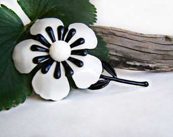 Vintage Enamel Flower Brooch Layered Black and White Graphic Mod 1960s Jewelry Collectible Estate Jewelry