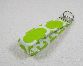 Key Fob Wristlet, Keychain, Fabric Key Fob .. Lime Quatrefoil
