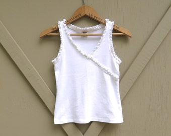 90s vintage White Cotton Tank Top with Ruffled Trim / Old Navy Tank Top