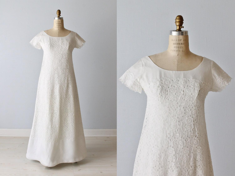 Vintage Eyelet Lace 1960s Wedding Dress / A-Line / Modest