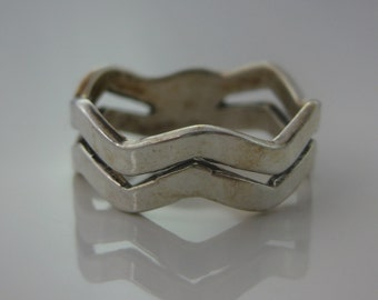 Size 7 Vintage Heart Shape Zig Zag Sterling Silver Ring