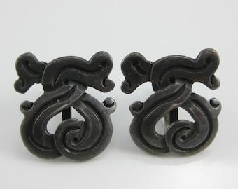Vintage Mexican Tribal Sterling Silver Screw Back Earrings