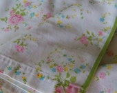 Vintage Pretty Swirling Meadow Flowers and Roses Full Flat Sheet