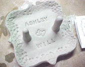 Custom Personalized Ring Holder with Double Posts in Emerald Green with Lacy Decorative Border