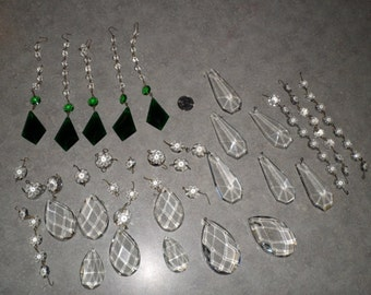 98pc vintage emerald green & crystal chandelier prisms glass lighting sconce bobeche jewelry