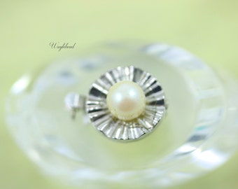 One Strand Vintage Faux Pearl Box Clasp - 1 pc