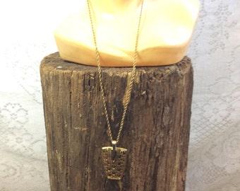 Vintage Gold Pendant Neckkace