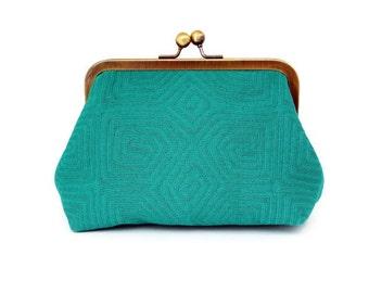 SALE, Emerald Green Purse, Small Evening Clutch, Cell Phone Case, Makeup Case, Cosmetics Bag, Gold Kiss Lock, St. Patrick's Day, Irish Green
