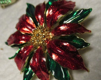 """Vintage jewelry Enamel RED & GREEN POINSETTIA Brooch Pin 1 7/8"""" diam. costume holiday brooch pin"""