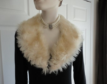 70s White lamb fur collar.