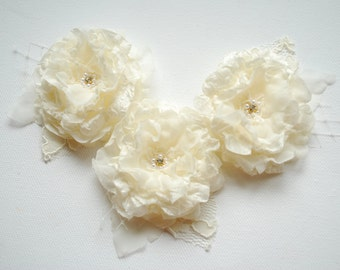Ivory Butter Cream Bridal Hair Flowers, Hair Weddings Accessories, Bridesmaids Headpiece, Bridal Hair Clip Comb Corsage, Flower for Sash