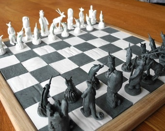 Chess set in porcelain with theme of your choice, custom made