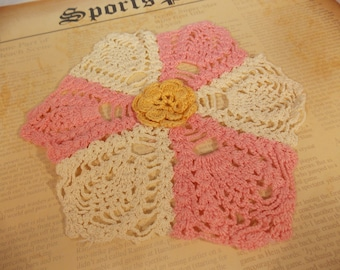 Delicate Vintage Pineapple Rosette Doily, Pink Maize and Cream Doily
