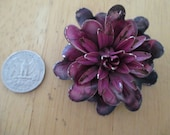 Vintage costume jewelry  / flower brooch