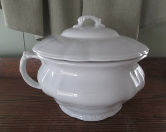 Johnson Bros. Royal Ironstone China Chamber Pot w/ cover, Decorating White, Farmhouse,Farm House, Rustic Prairie,Country Cottage