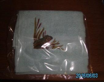 Hand Towel Machine Embroidered