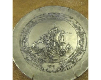 Columbus Pewter Plate – Nina, Pinta, Santa Maria -Great Moments in History - 1971 Plate -Wendell August Forge Vintage Pewter Collector Plate