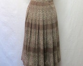 1950s / 60s Vintage Knit Jersey Skirt / Cafe & Cream Geo Striped Pleated Skirt