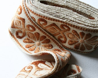 Wide Vintage Upholstery Trim Floral Brown and Cream Ombre Design 4 Meters