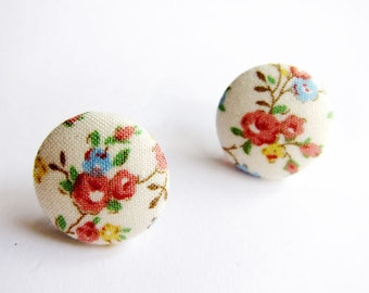 Clip On Earrings / Stud Earrings / Button Earrings - white floral earrings