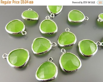 15% OFF 2 peridot opal unique glass charms for jewelry making / glass beads earrings necklaces 5031R-PEO (bright silver, peridot opal, 2 pie