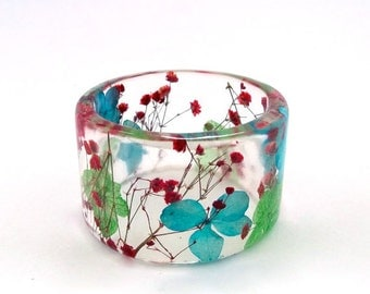 Size Small - Red, Blue and Green Botanical Resin Bangle.  Chunky Bangle with Hydrangea Red Baby's Breath. Custom Engraving.