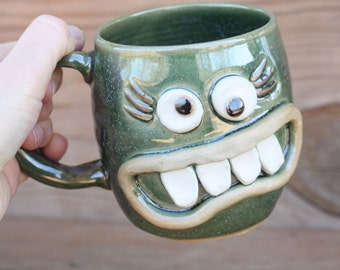 Moms Coffee Cups. Smiley Face Mug in Green. Large 16 Ounces. Mothers Gifts Stoneware Pottery Cup. Handmade Ceramic Green Tea Mug.