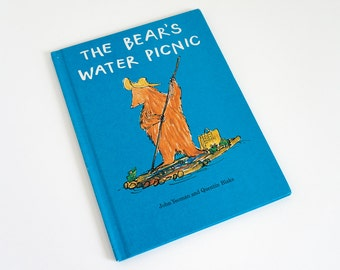 Vintage 1970s Childrens Book / The Bear's Water Picnic by Yeoman and Blake 1970 VGC Hc / Working Together and Making New Friends