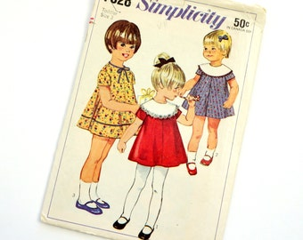 Girls Size 3 Dress with Detachable Collar 1960s Simplicity Vintage Sewing Pattern 7328 / chest 22 / Cut Complete