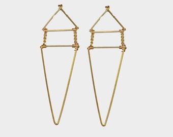 Triangle Dangle Earring | R15-E33