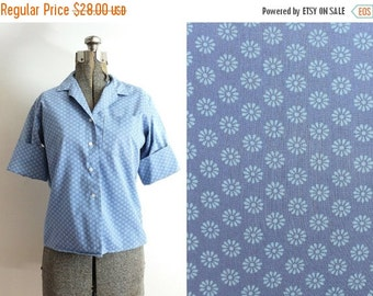 ON SALE 50s Blouse / 1960s 1950s Blouse / 50s Blue Floral Blouse