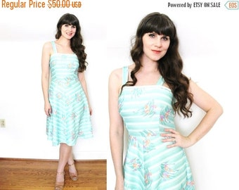 ON SALE 70s Dress / 1970s Dress / 70s Seafoam Floral Print Sundress
