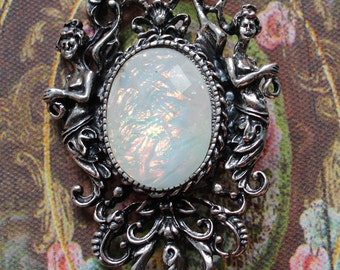 Vintage Inspired Victorian Muse Pendant/Brooch