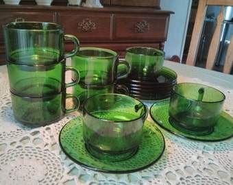 SET OF 8 -Vintage Emerald Green Vereco France Cups / Mugs with Saucers