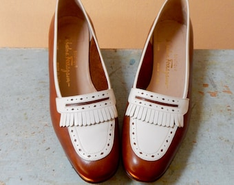 80s Salvatore Ferragamo Kiltie Spectator Slip On Loafers Classic Low Heel Caramel Brown White Leather Gorgeous