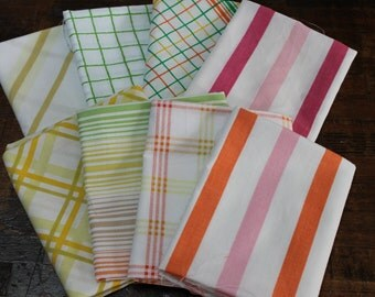 Vintage Reclaimed Fabric fat quarter bundle bed sheet bed linen fabric retro Pink Orange Yellow Green stripe plaid quilt decor fabric 8 FQ