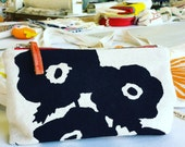 POPPIE Make Up Bag in black by Erin Flett