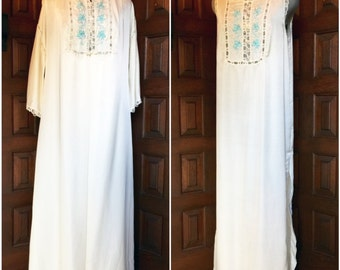 1960s Barbizon Nightgown Set in cream and turquoise