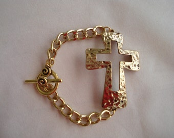 Metal CROSS BRACELET GOLDTONE Chain Bracelet Toggle Clasp Hammered Metal Cross