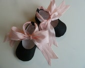 Valentines Day Shoes . Baby Girl Shoes . Black Silk Ballet Slippers with Pink Ribbon . Infant Ballet Flats . Baby Ballerina Photo Prop